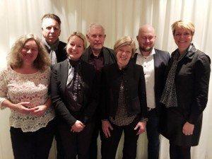 Danske Rejsejournalisters bestyrelse udgøres af forrest fra venstre Lissen Jacobsen, Rikke Koks Andreassen og Hanne Høiberg. Bagest i samme rækkefølge står Flemming Larsen, Aage Krogsdam, Lars Dyhr og formand Anne-Vibeke Isaksen. Lars Johansen fra kunne ikke deltage i generalforsamlingen.