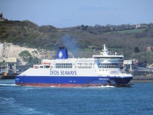 800px-Dover_Seaways_leaving_Dover_for_Dunkerque_(8714432365)