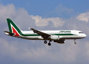 Alitalia_Airbus_A320_(EI-DTM)