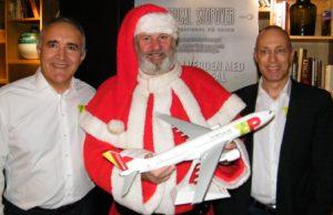 Nordisk chef for TAP Air Portugal, Joao Morais, til venstre, og til højre salgschef, Henrik Nielsen, ved sammenkomsten i går.