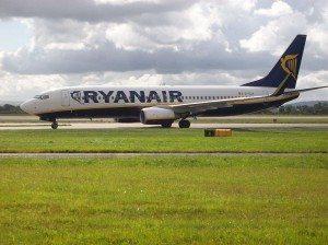800px-Ryanair_Boeing_737-800_At_Manchester_International_Airport