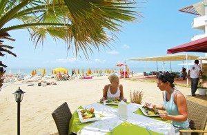 Falk Lauritsen_frokost på stranden i Alanya