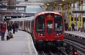 Farringdon_station_MMB_22_S-Stock