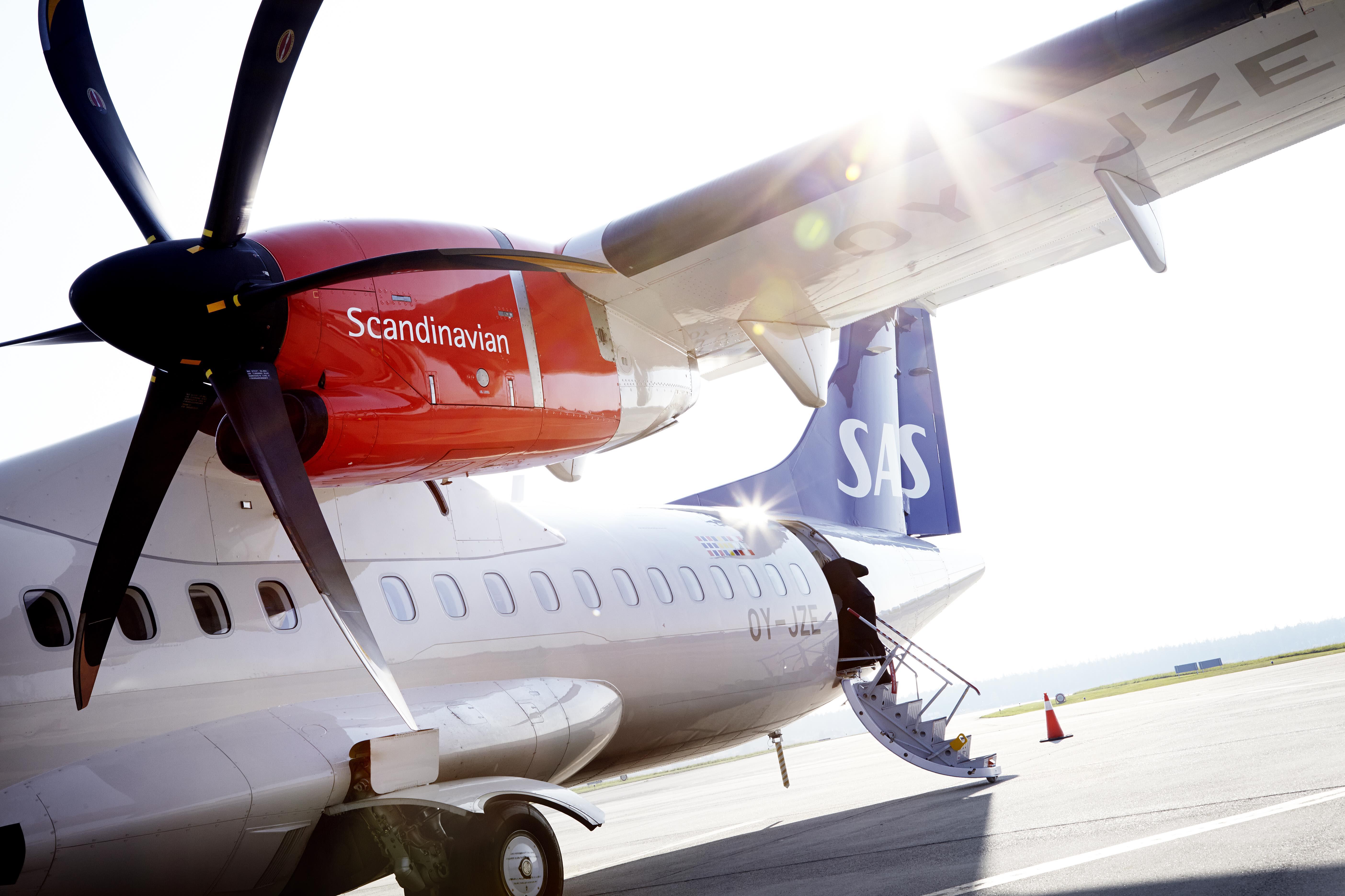 En række flyselskaber udfører regionale flyvninger for SAS med mindre fly, der kan være i SAS-bemaling.