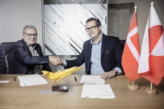 Hans Peter Hansen (t.v.), direktør for charter hos Air Greenland og Kristoffer Sundberg, CEO hos Sunair. (PR-foto)