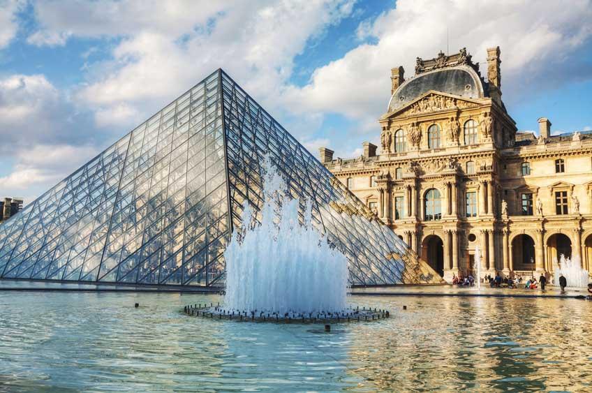 Louvre, det verdensberømte kunstmuseum i Paris, har lukket én af sine udstillinger på grund af vandet. Foto: Musée du Louvre.