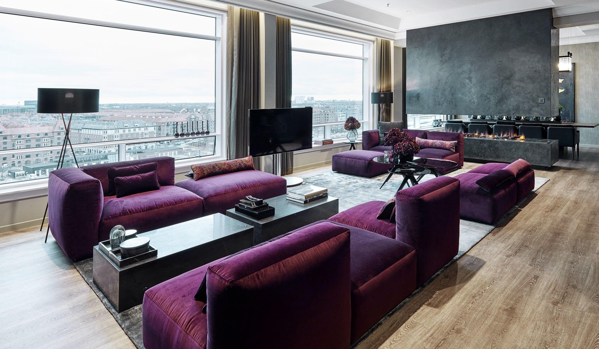 Lounge-området i Danmarks formentlig dyreste hotelsuite, Royal Suite på Copenhagen Marriott.
