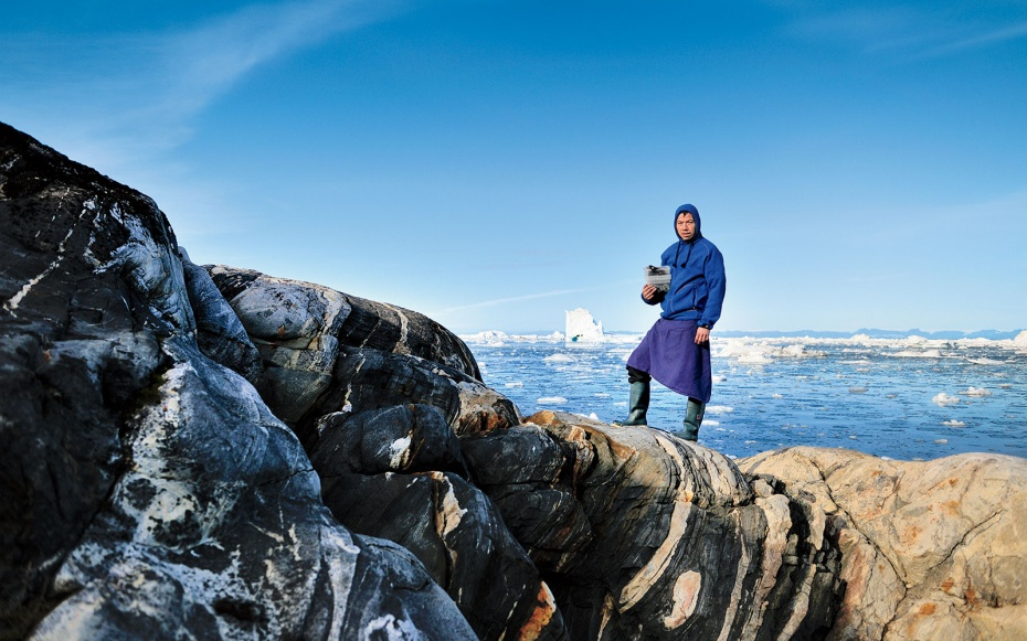 Inunnguaq Hegelund henter råvarerne til sin arktiske pop-up restaurant i Grønlands natur. Foto: HECA Nuuk.