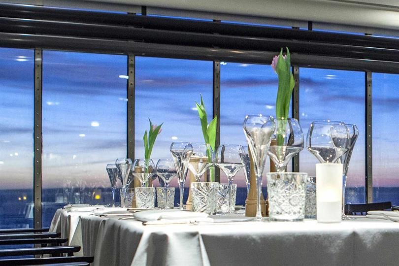 Et kig ind i DFDS-restauranten Marco Polo.