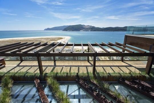 Troia – tæt på Lissabon – er et af de steder, der har store lejligheder og som er populære blandt de store familier. Foto: Bravo Tours.