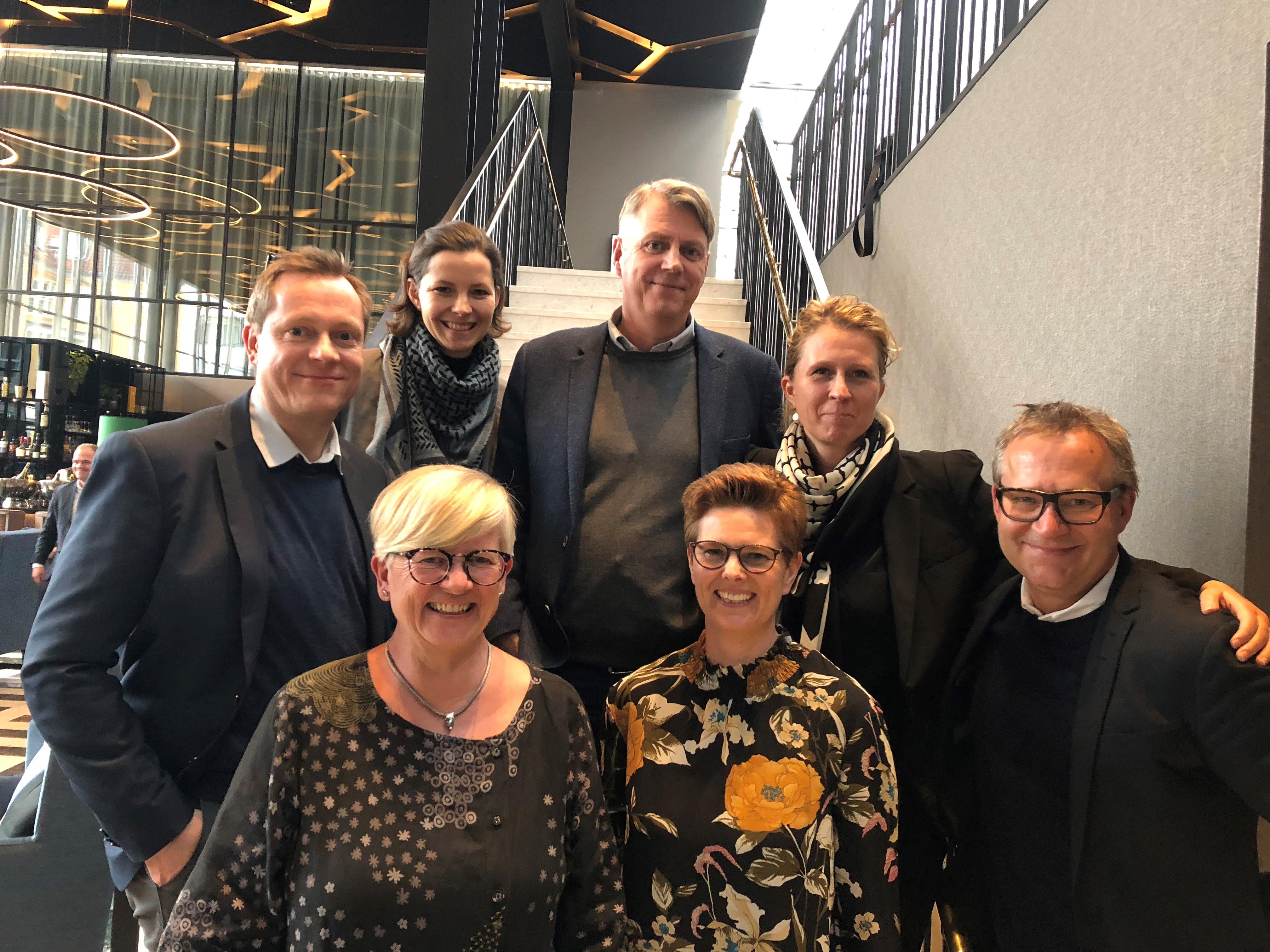 Hovedparten af DBTA's bestyrelse, forrest fra venstreAnne Mette Berg, formand Mette Bank og Jeppe Mühlhausen. Bagest fra venstre: Tonny Lacomble Nielsen, Anne M. Christiansen, Jens Liltorp og Line Høgild.