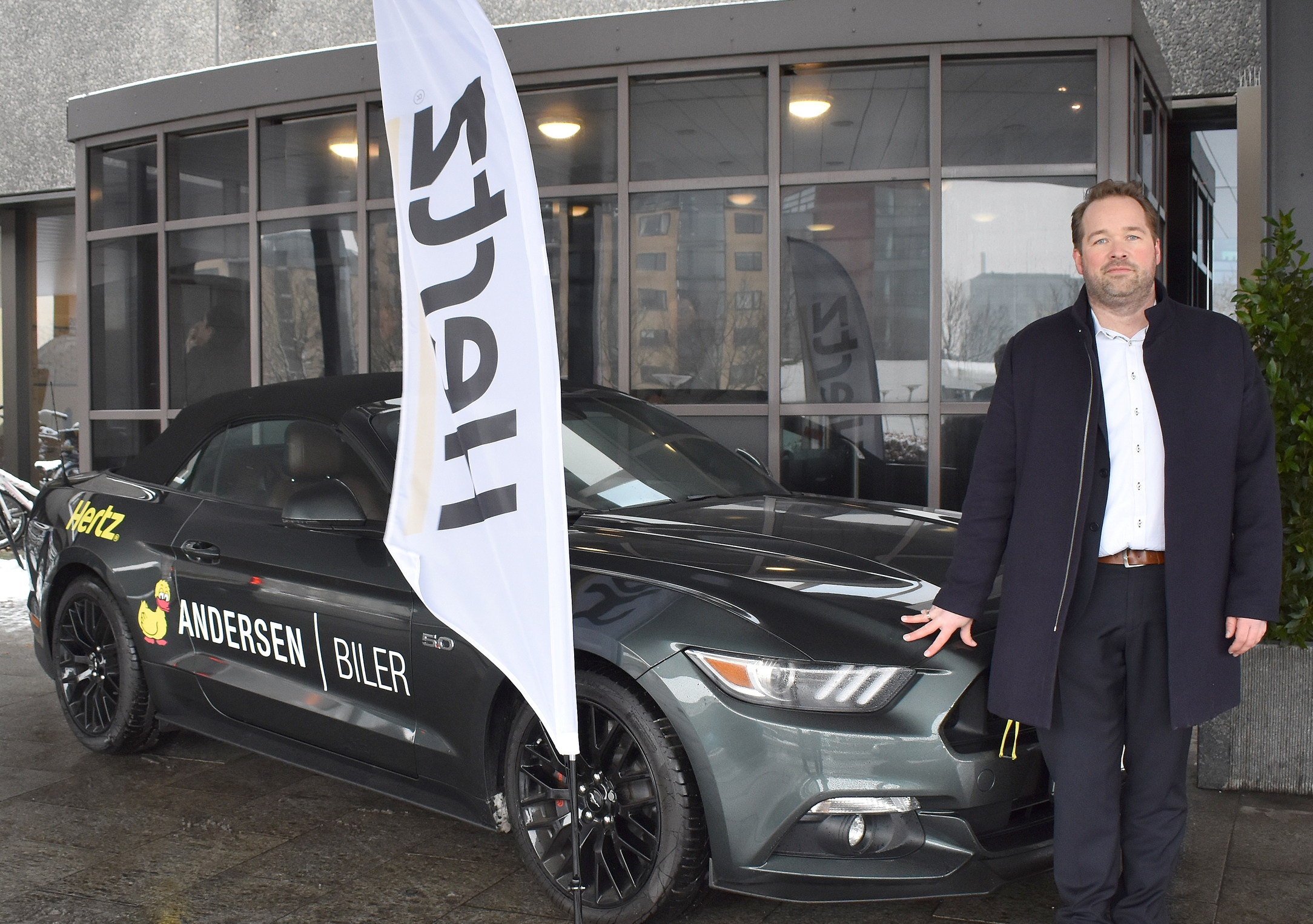 Hertz Biludlejning var også til USA Travel Show, hvor Kasper Renström Østervig, chef for Travel Industry & Commercial, havde medbragt en Ford Mustang. Foto: Preben Pathuel.