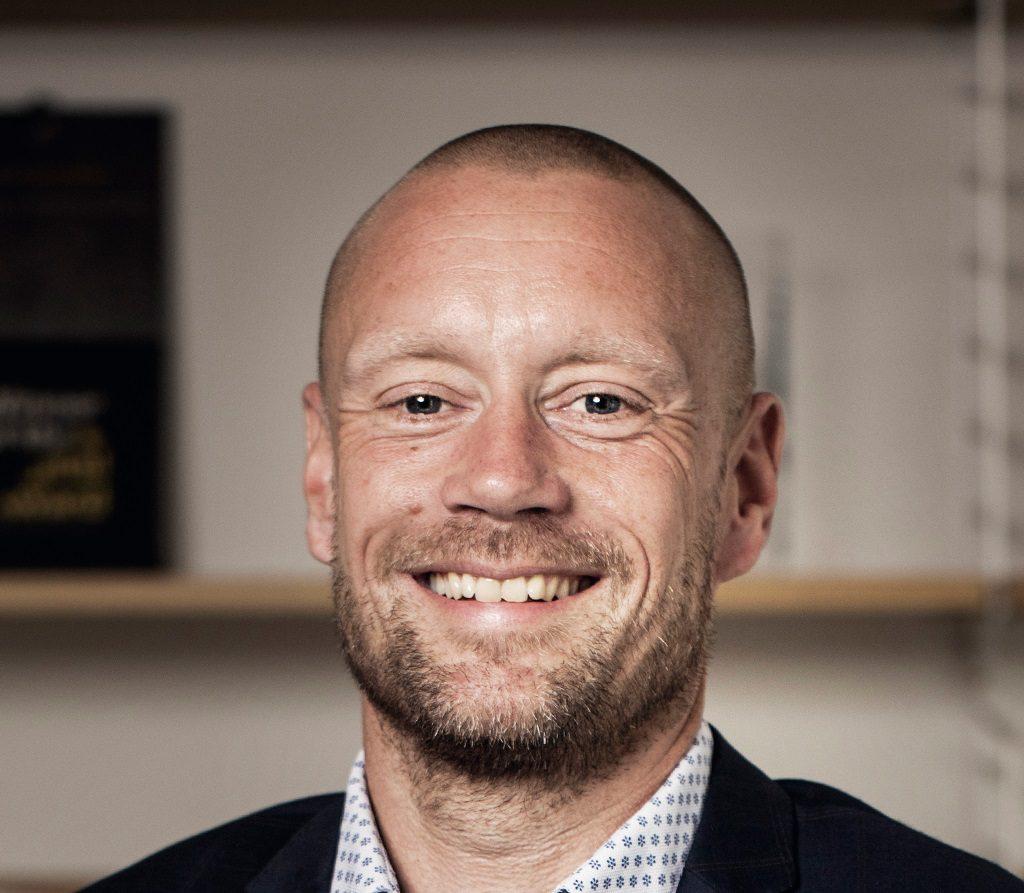 Den 42-årige Casper Bock er netop begyndt som ny salgsdirektør for det 4-stjernede hotel Radisson Blu Papirfabrikken i Silkeborg. Privatfoto.