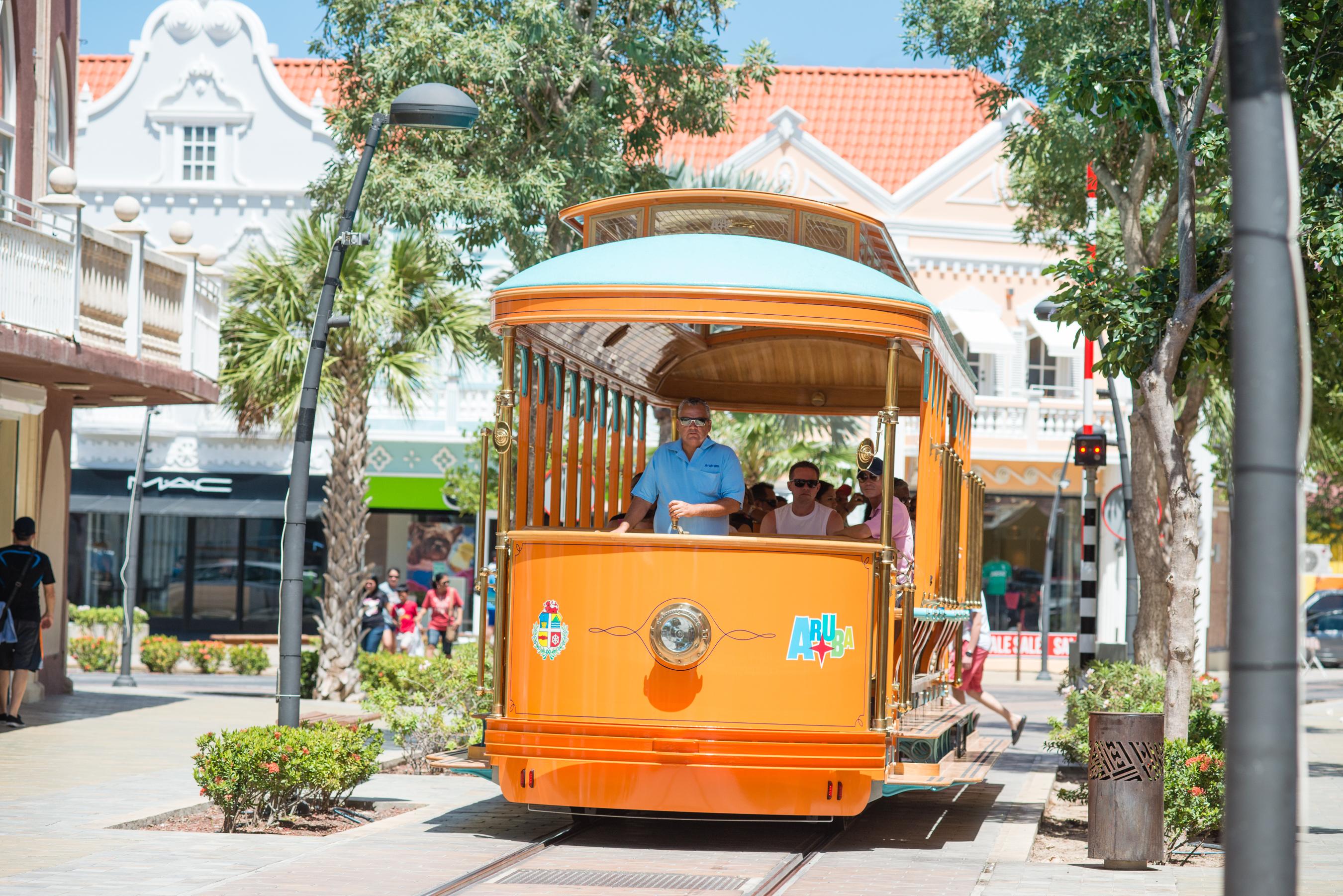 Oranjestad, hovedbyen på den caribiske ø Aruba, er meget præget af den hollandske kolonitid. Foto: Aruba Tourism Authority.