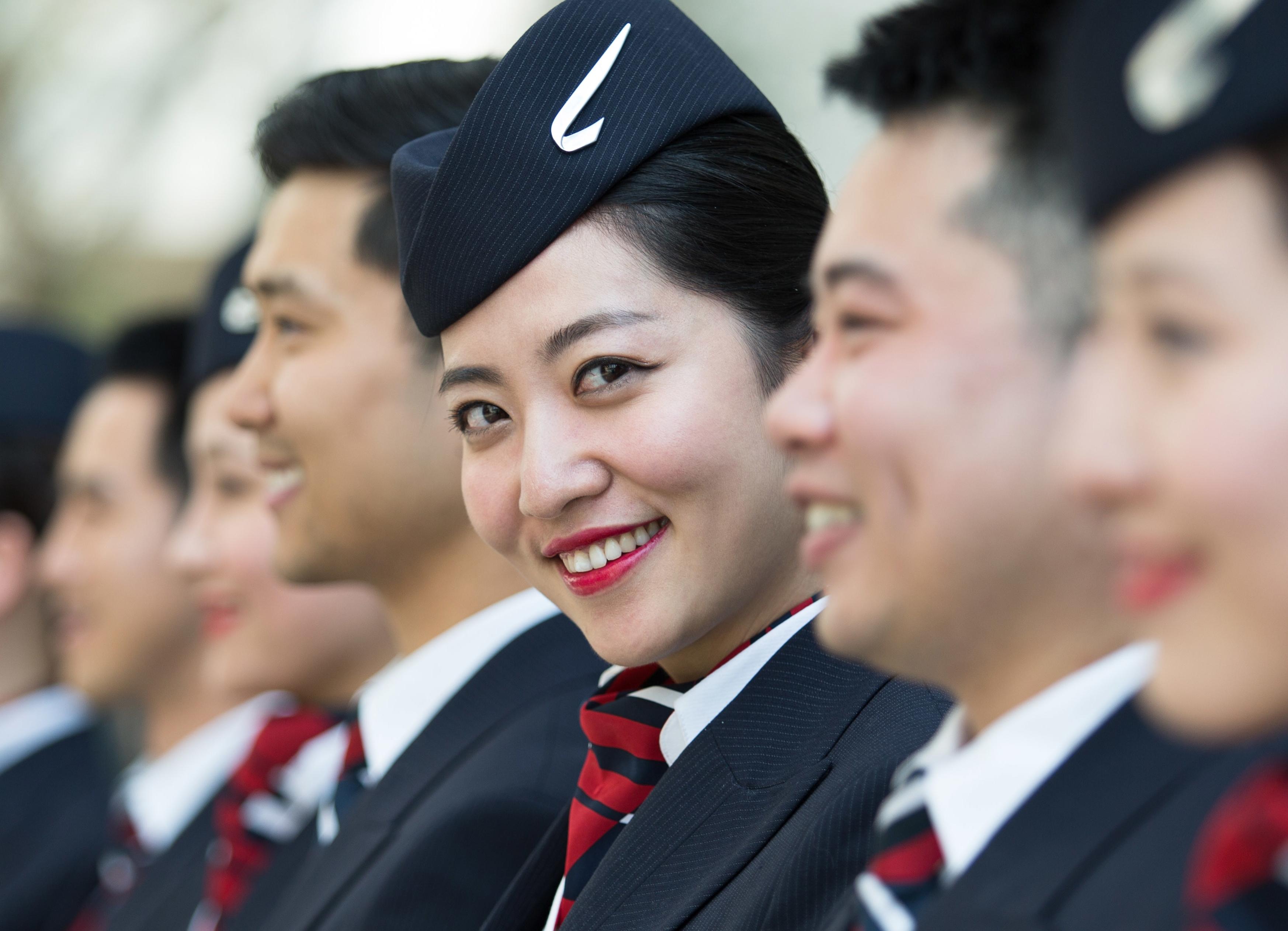 British Airways får nu mere kinesisk kabinepersonale på sine ruter fra London til Beijing og Shanghai. Foto: Stuart Bailey for British Airways.