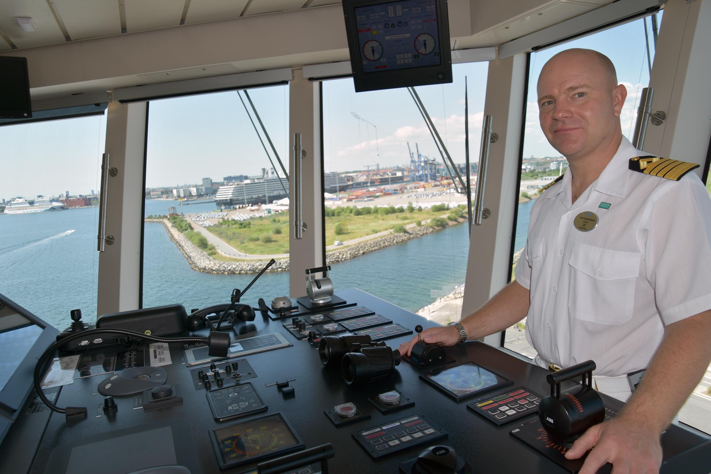 NCL's Breakaways svenske kaptajn, Dan Svensson, har vagt i ti uger, fulgt af ti uger fri. Foto: Preben Pathuel.