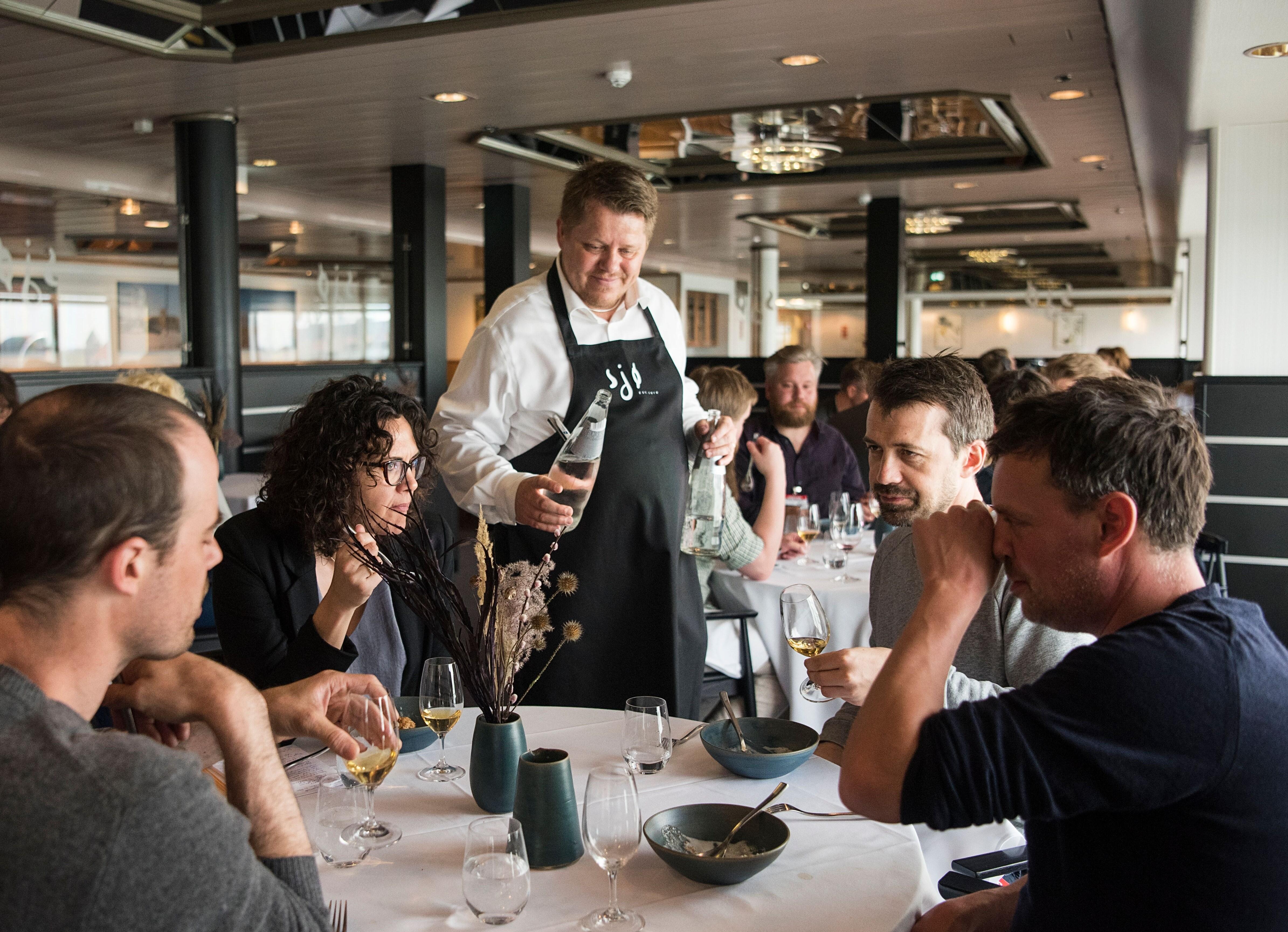 Et kig ind i Restaurant Sjø på Crown Seaways. Foto: Sara Gangsted for DFDS.