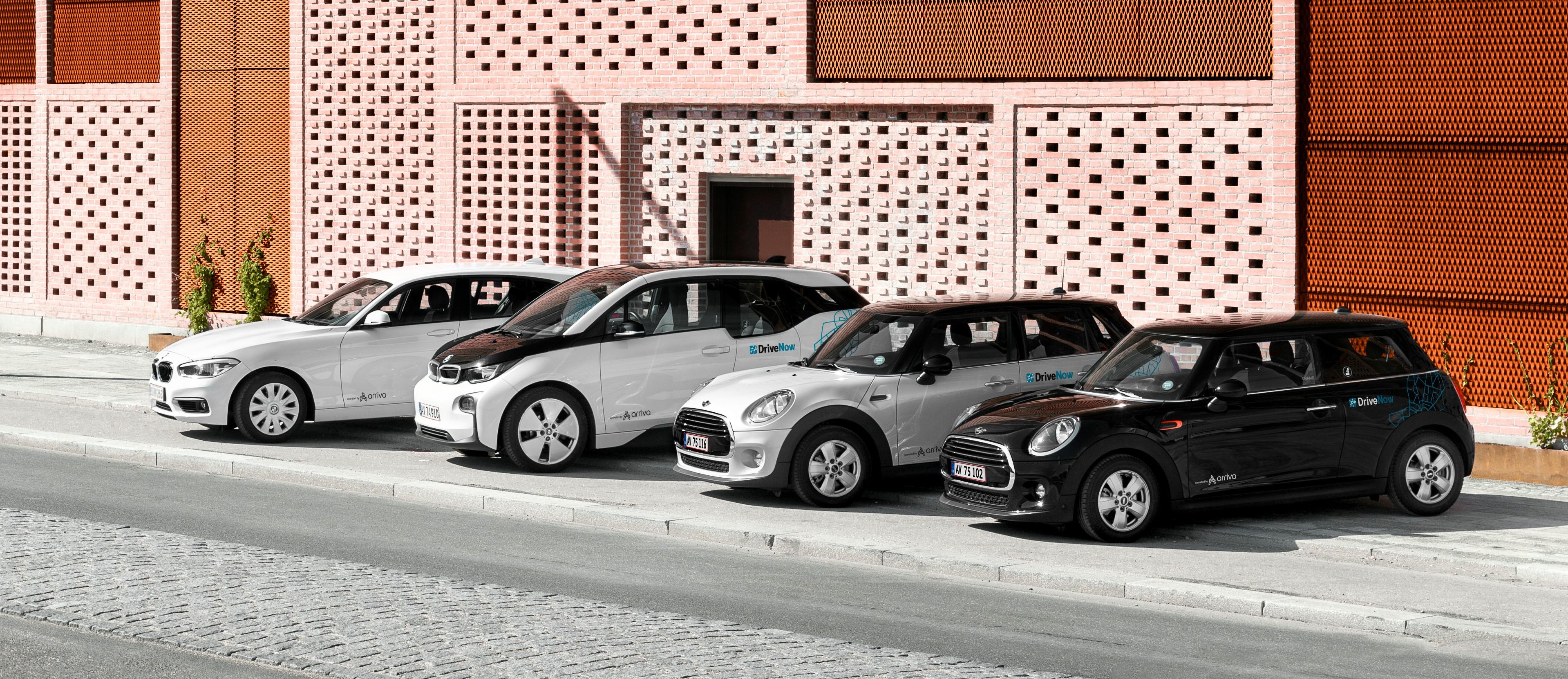 Det københavnske bybilskoncept DriveNow har udvidet sin flåde med 200 biler – herunder BMW 1-serie samt en tre- og femdørs Mini Cooper. Foto: Jasper Carlberg