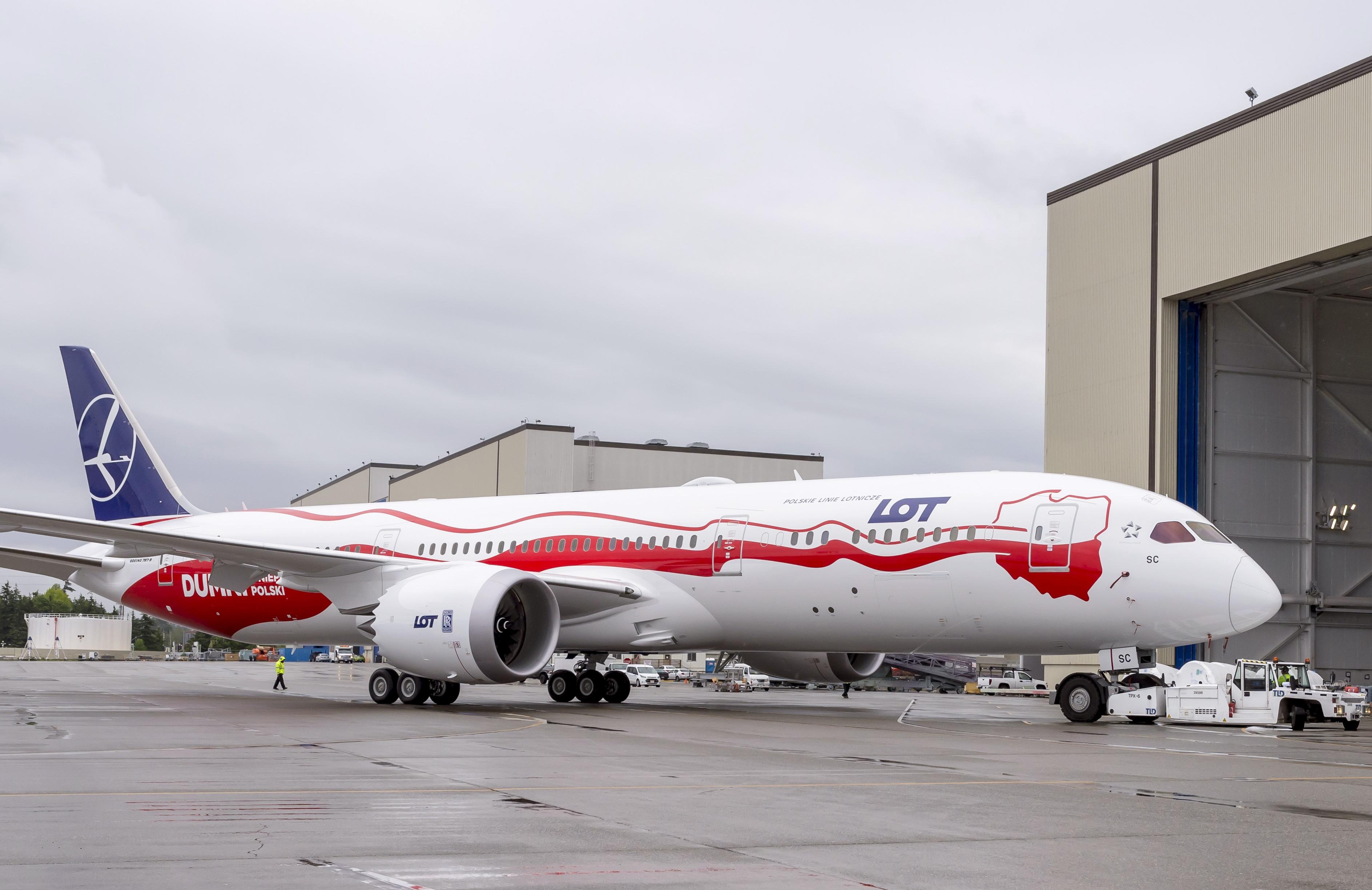 Den særmalede LOT Boeing B787 Dreamliner, der markerer 100 året for Polens selvstændighed. Foto: LOT via Boeing.