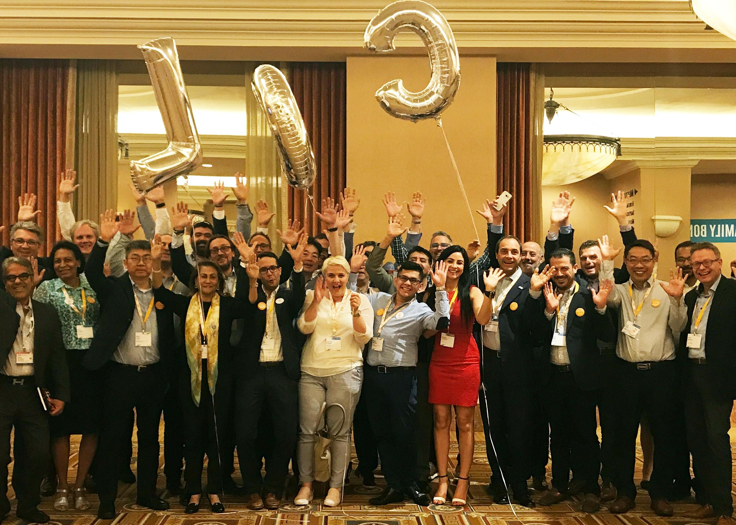 Nogle af deltagerne fra 21 lande ved den store Lufthansa City Center-sammenkomst i Las Vegas. Foto: Lufthansa City Center.