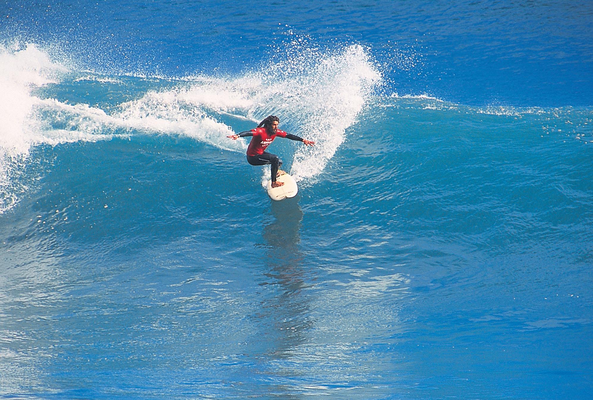 Madeira er kendt for sin smukke natur, men også mulighederne for blandt andet surfing. Arkivfoto fra Portugals Turistbureau.