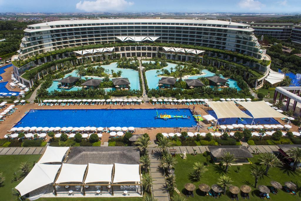 Den nye tyrkiske turistminister er blandt andet medejer af Maxx Royal Hotels, der har hoteller på den tyrkiske middelhavskyst ved Belek og Kemer. Arkivfoto.
