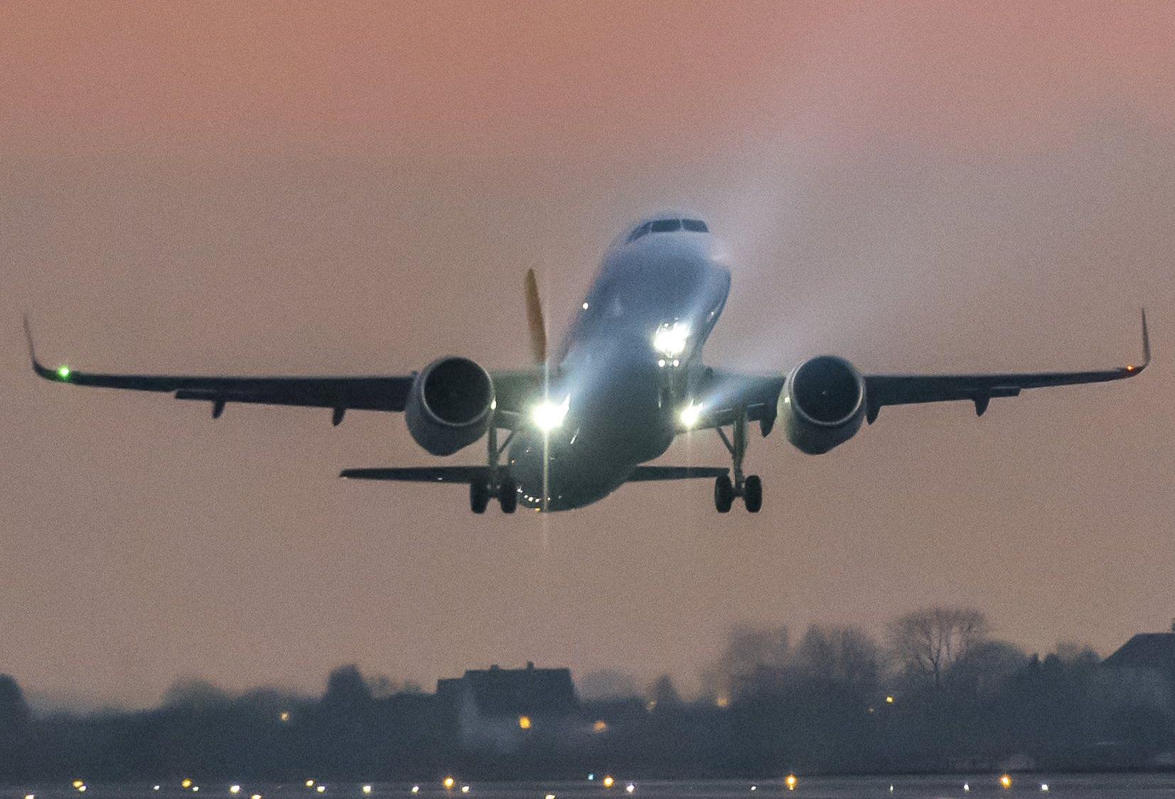 Verdens flyselskaber får de kommende tyve år behov for over 37.000 nye passagerfly, cirka tre ud af fire er med én midtergang – for eksempel Airbus A320, billedet, Boeing B737, canadiske CS100 og CS300 eller brasilianske E175 og E190. Foto: Airbus.