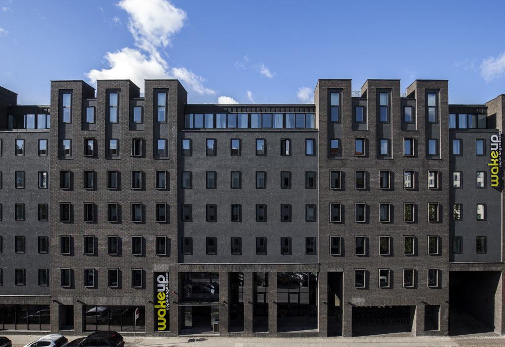 Arp-Hansens hotel Wakeup Copenhagen II tæt på Kongens Nytorv skal udvides med over 50 procent til 768 værelser. Dermed bliver det hovedstadens 3. største hotel. Foto: Arp-Hansen Hotel Group.