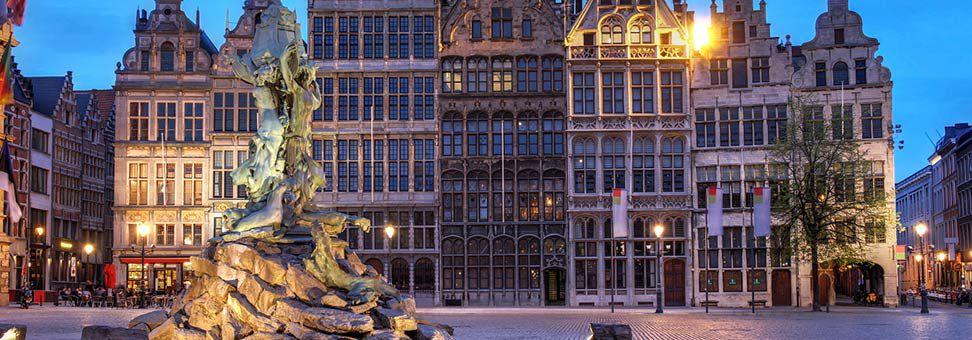 Belgien får nu lovgivning mod at bookingmaskiner kan kræve bestemte prisklausuler overfor hoteller, de såkaldte rate parity-klausuler. Arkivfoto fra belgiske Antwerpen. Foto: International Hotels Group.