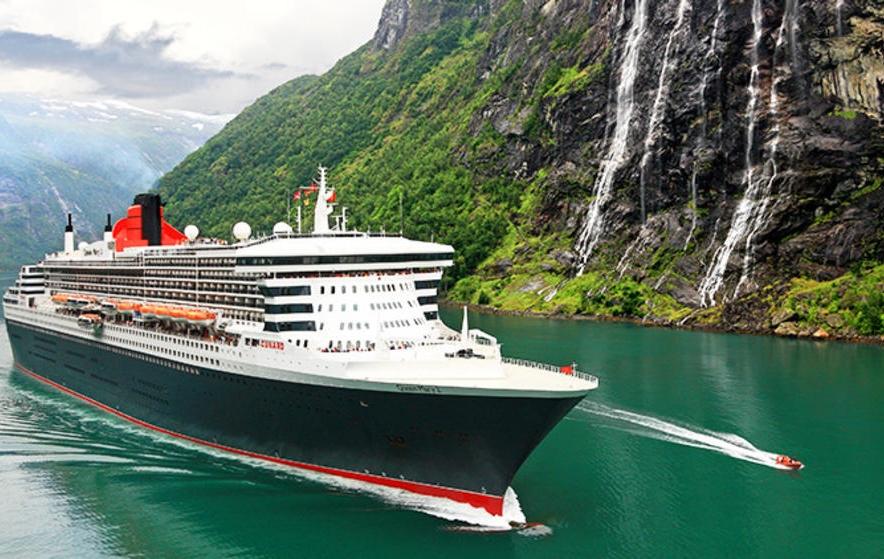 Queen Mary 2 i norske Geiranger Fjorden. Foto: Cunard Line.