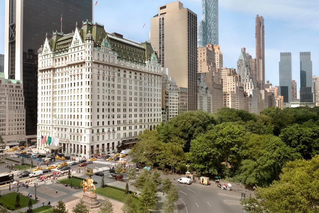 The Plaza ved Central Park og 5'Th Avenue er et af New Yorks mest berømte hotellet. Foto: Booking.com