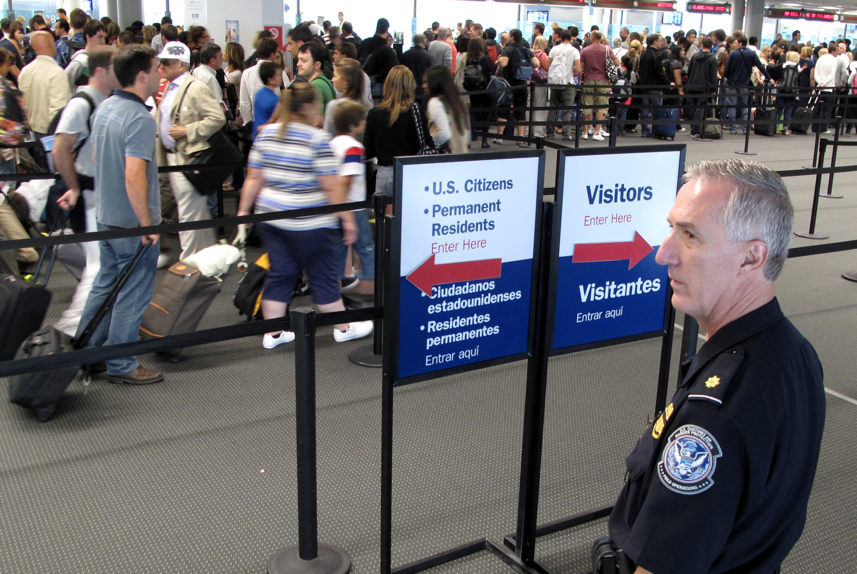 Passagerer der afrejser til eller fra amerikanske lufthavne må ikke mere have større mængder pudder og andet pulver i håndbagagen. Arkivfoto.