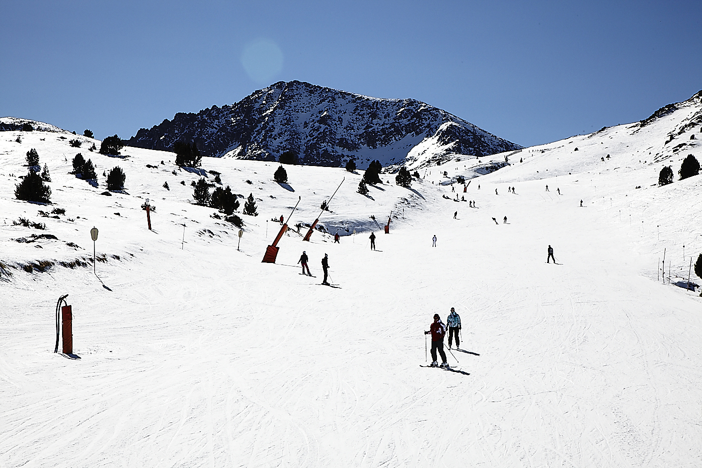 Andorra, det lille fyrstendømme på størrelse med Bornholm ligger i Pyrenæerne, mellem Frankrig og Spanien. Foto: Sun Tours.