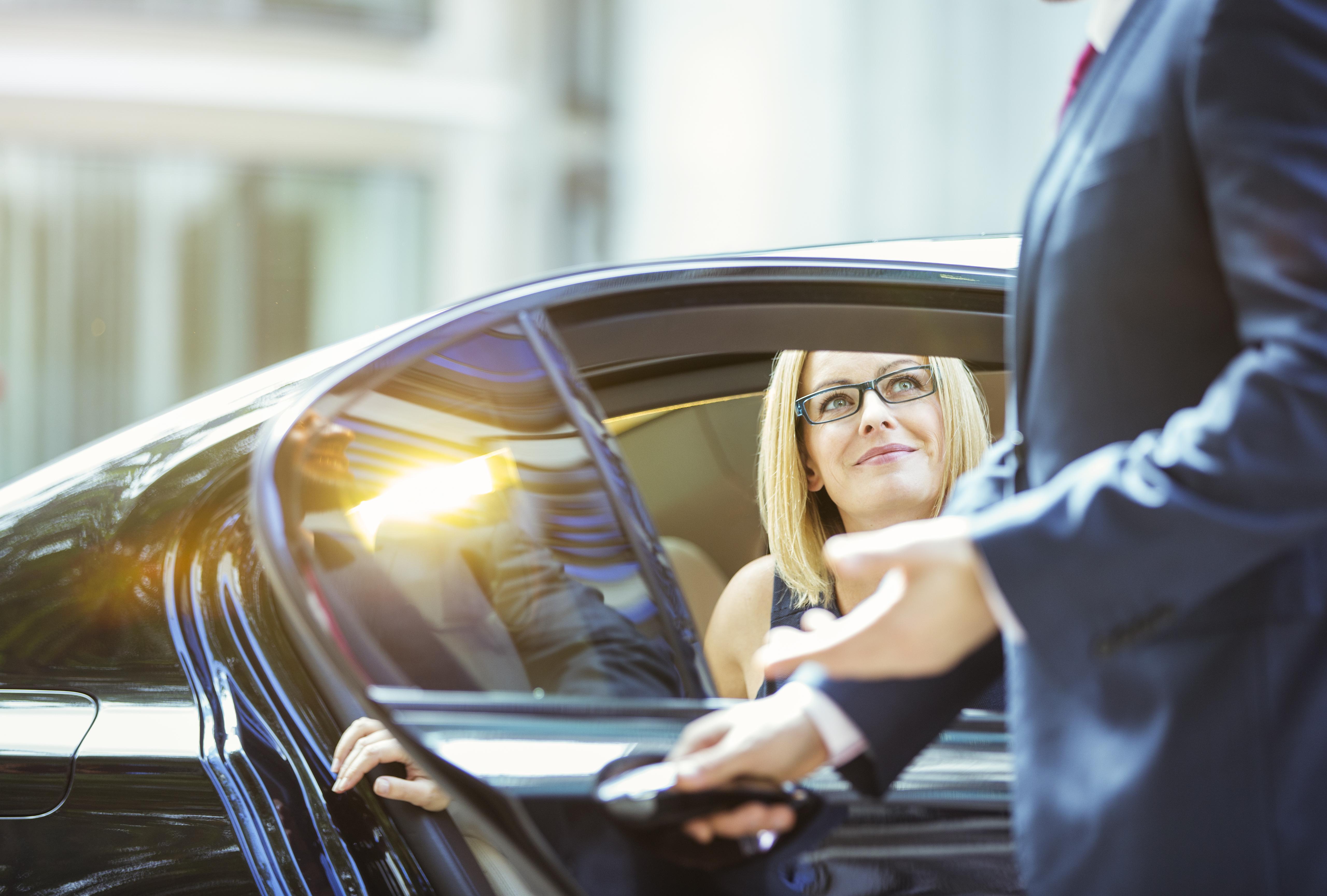 Danmarks største biludlejningsfirma, Europcar, er nu klar med limousineservice med chauffør i Danmark. Foto: Europcar.