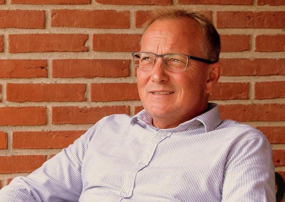 Peter Brinks, der snart runder de 50 år, har gennem karrieren arbejdet med hoteller, et flyselskab og et rejsebureau. Arkivfoto.