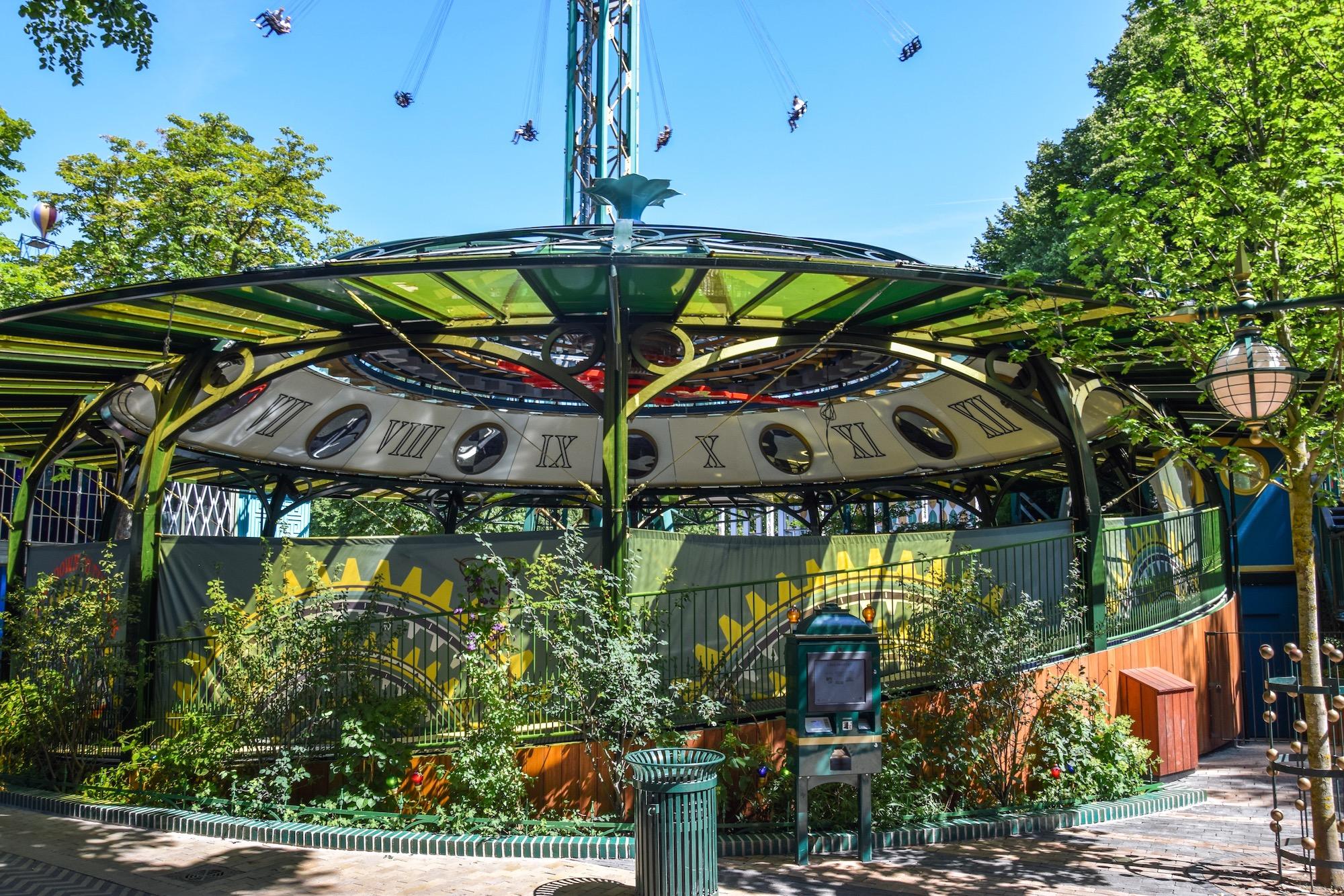Tik Tak, Tivolis nyeste forlystelse, har kostet 30 millioner kroner og åbner 10. august som afløser for Snurretoppen. Foto: Tivoli.