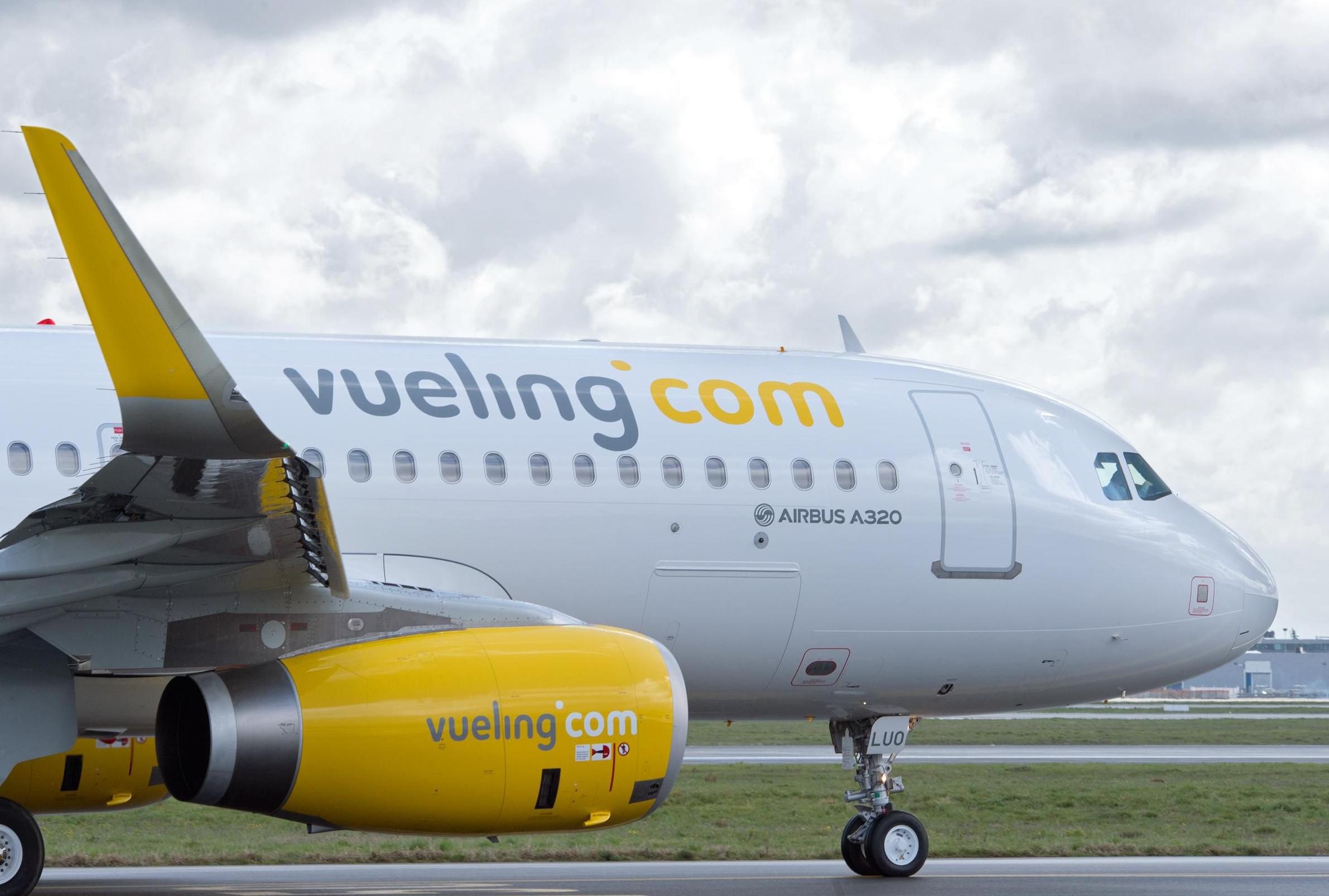 Det spanske flyselskab Vueling har 27. august møde i Københavns Lufthavn med fogedretten fra Københavns Byret i en inkassosag, fordi det ikke vil betale bøder for forsinkelser. Arkivfoto fra Airbus.com