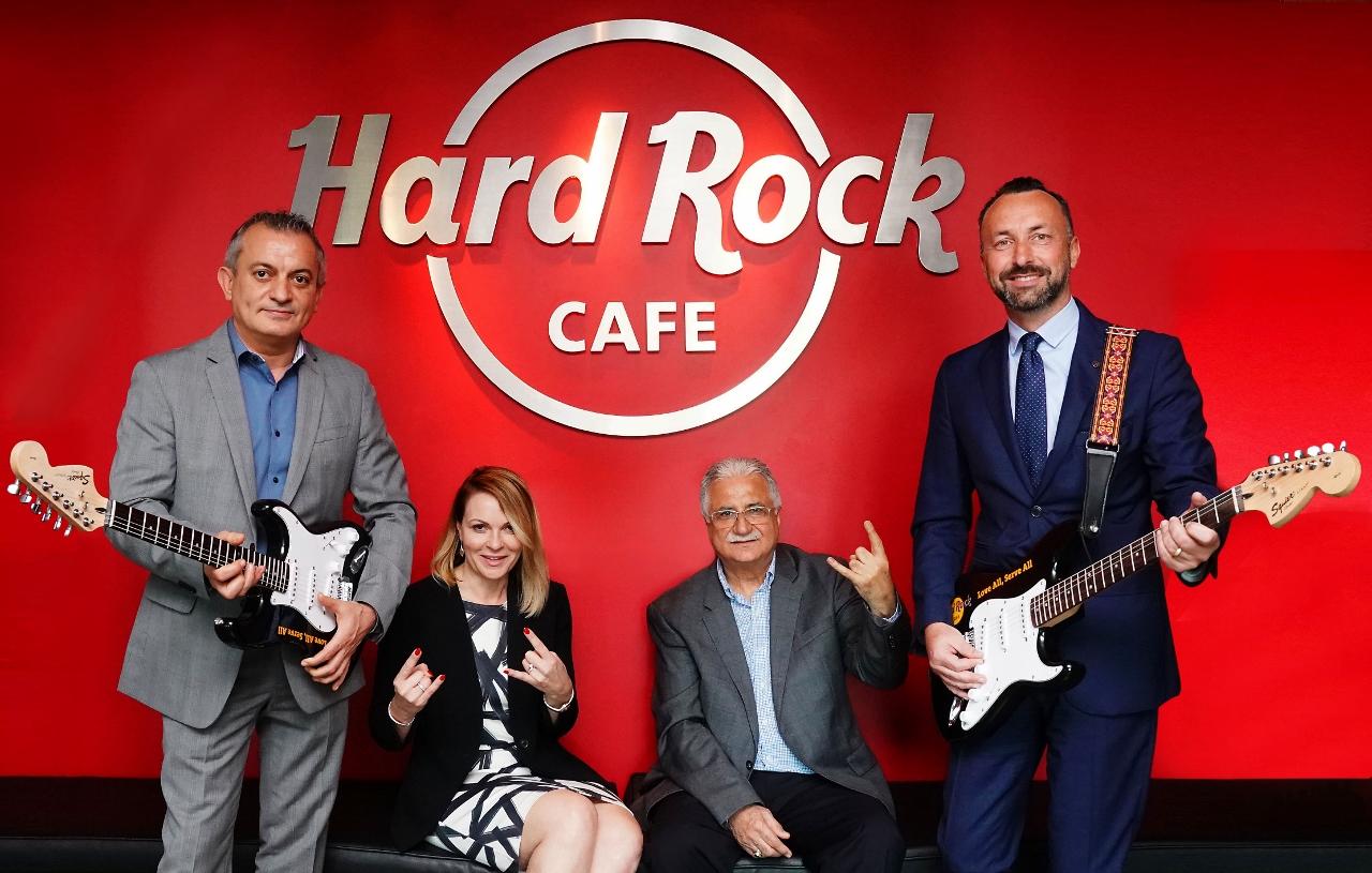 PR-foto fra Dubai International Airport forud for åbningen af en Hard Rock Cafe i næste måned.