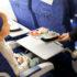 Madservering for Spies-passagerer ombord på Thomas Cook Airlines-fly. Pressefoto: Spies.