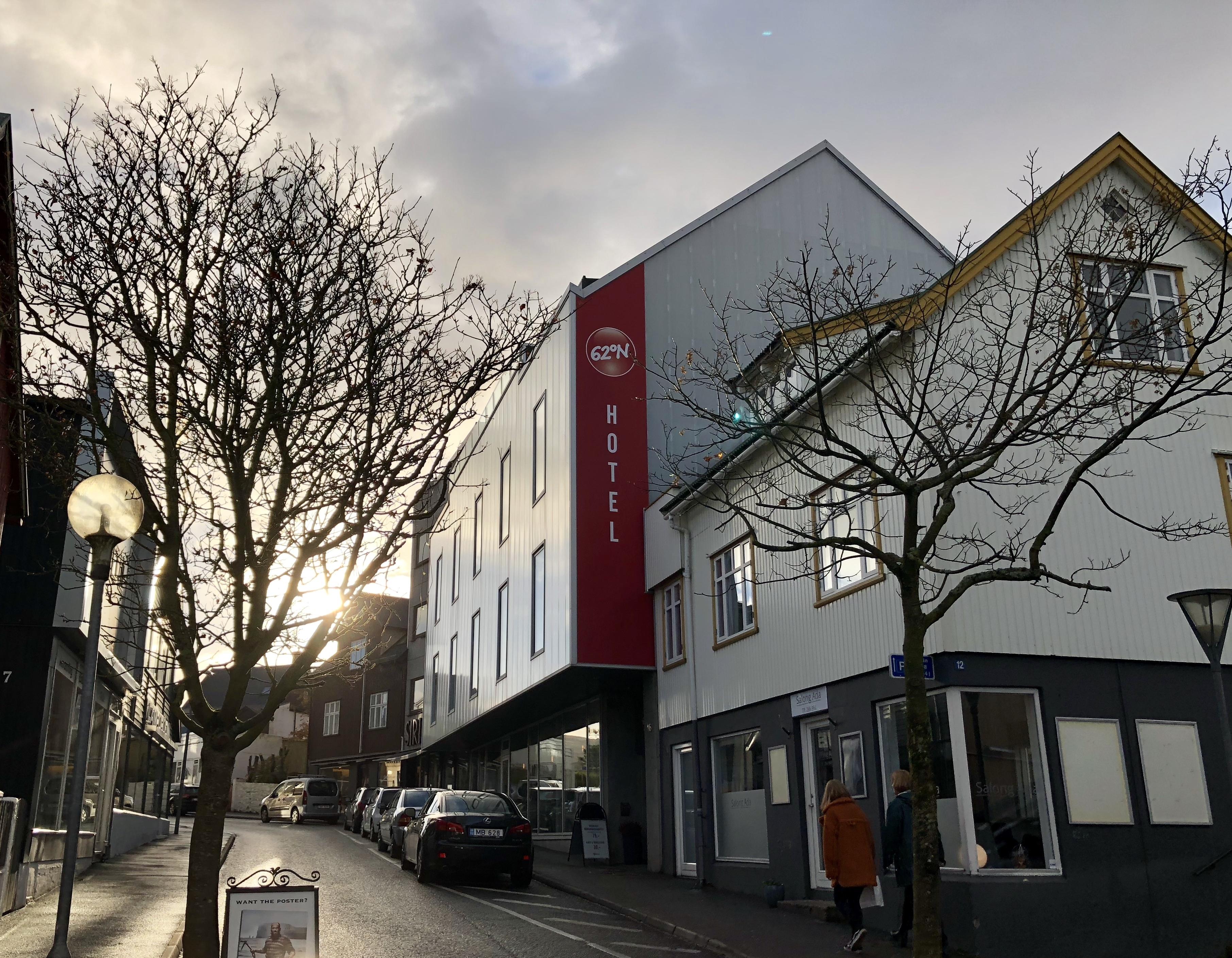 Hotel Havn med 19 værelser i Torshavn har skiftet navn til 62°N Hotel. Foto: 62°N-gruppen.