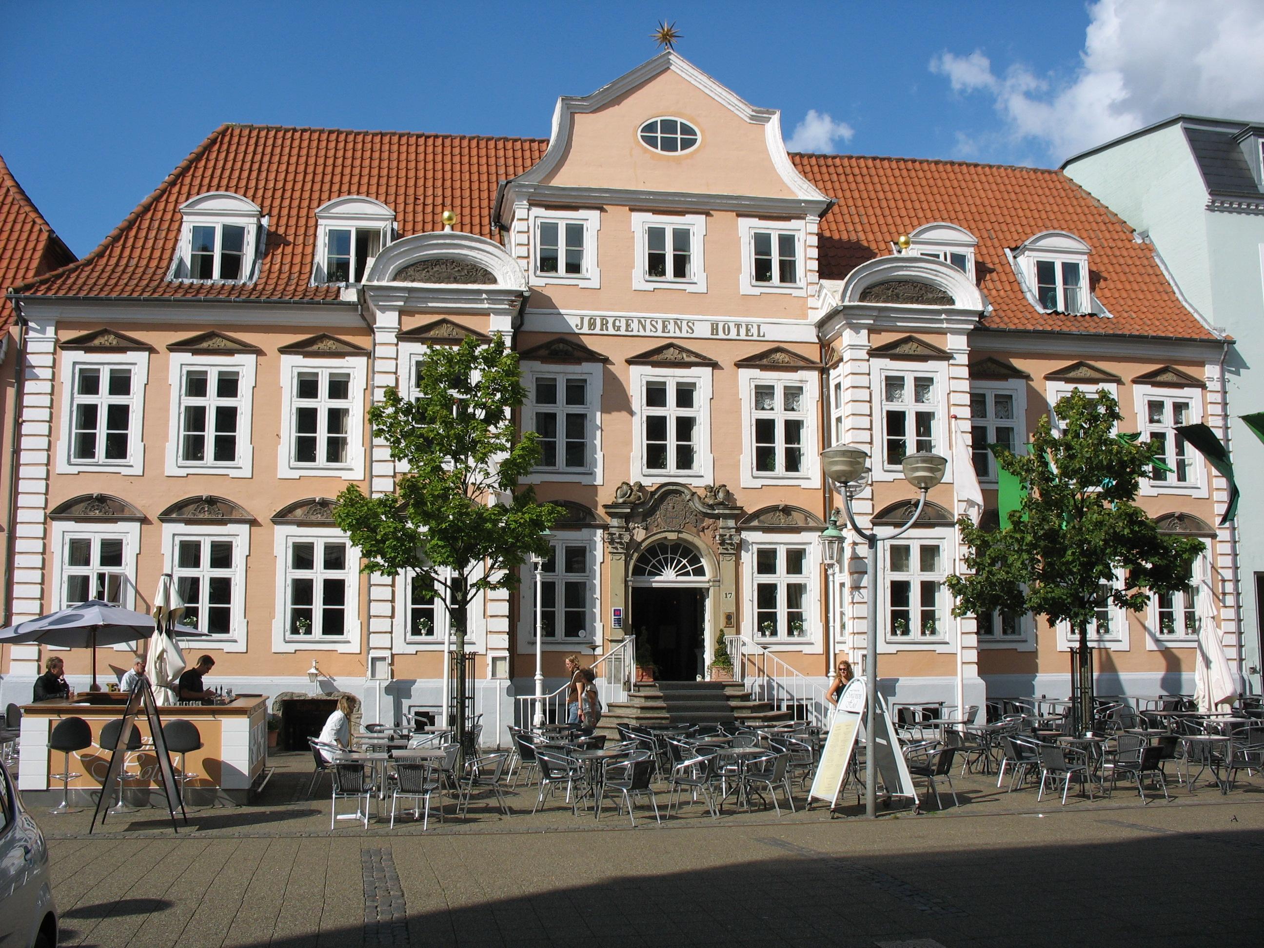 Jørgensens Hotel i Horsens – inden det kommende navneskift. Foto Hubertus 45 via Wikipedia.