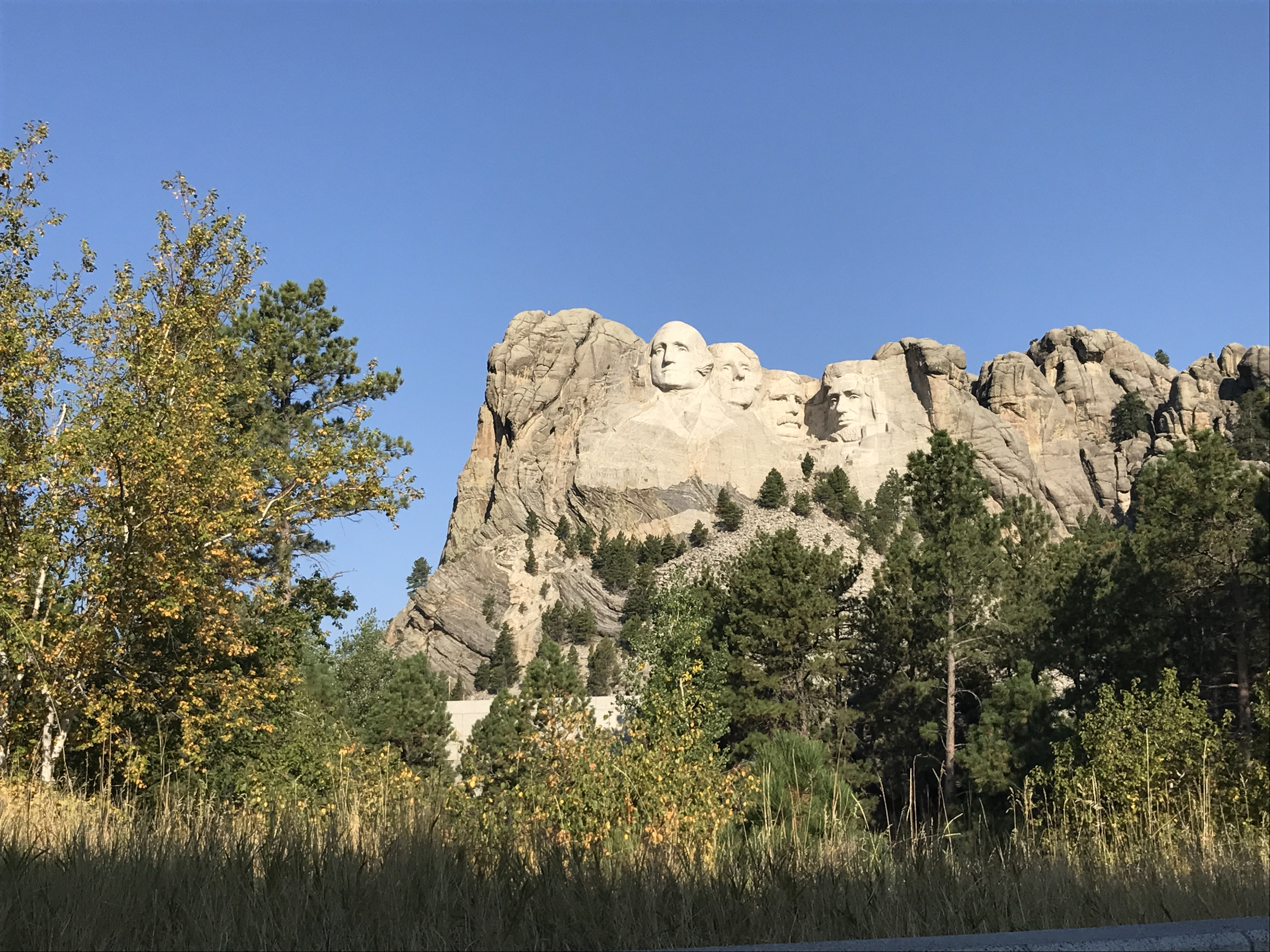 Mount Rushmore med de fire præsidentansigter i Badlands-området udenfor Rapid City i South Dakota er blandt de største turistattraktioner i The Great American West. Pressefoto.