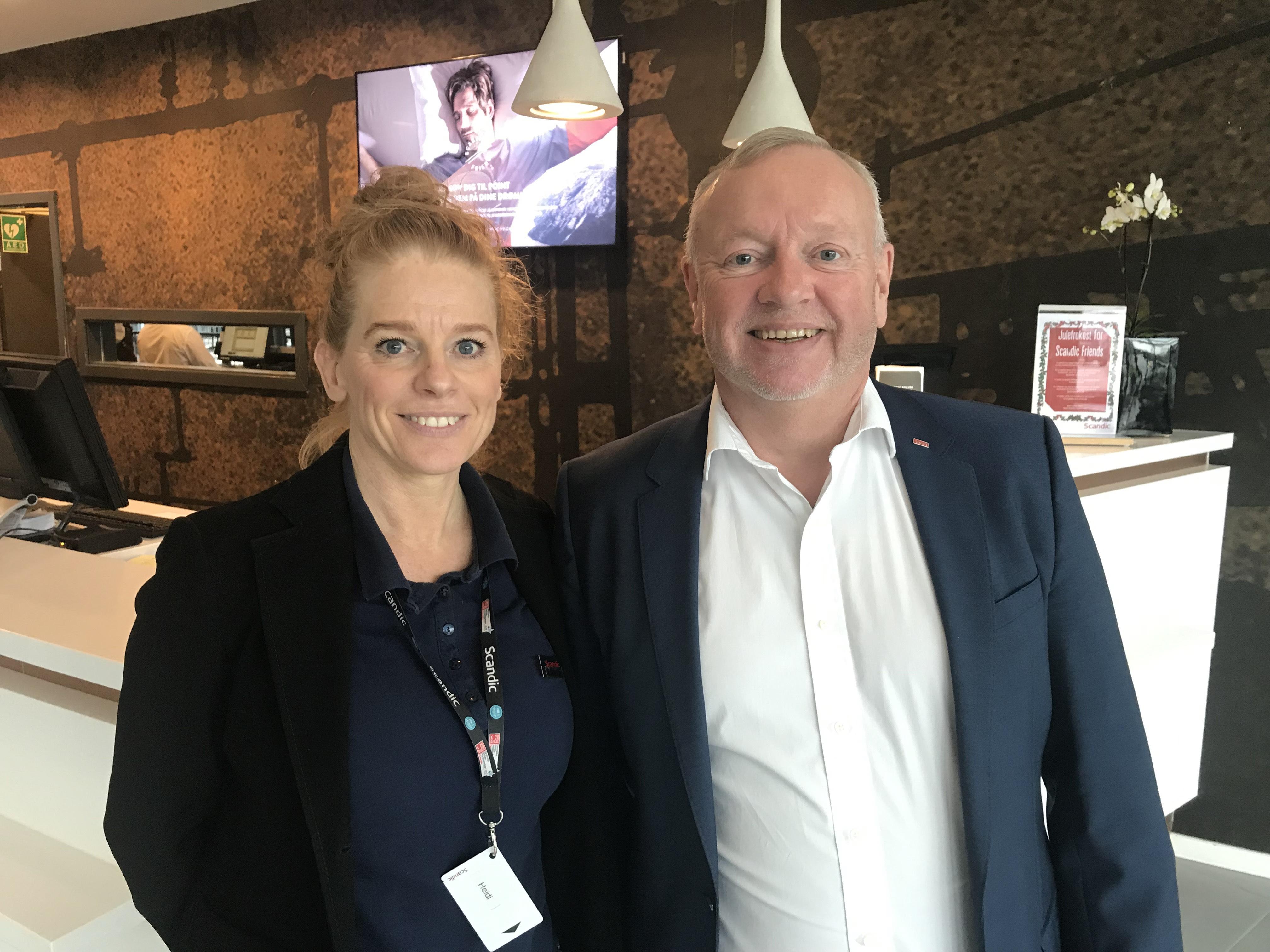 Direktør Mogens Jørgensen blev kontaktet af Castberggård, der arbejder målrettet med at få døve og personer med høretab i arbejde, og efterfølgende kom Heidi Allkja i praktik på Scandic Sydhavnen. Foto: Hotel Scandic Sydhavnen