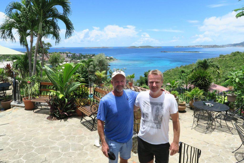 Morten Daugbjerg, til venstre, har sammen med Jesper Holmris oprettet rejsebureauet Matchpoint Rejser. Firmafoto.