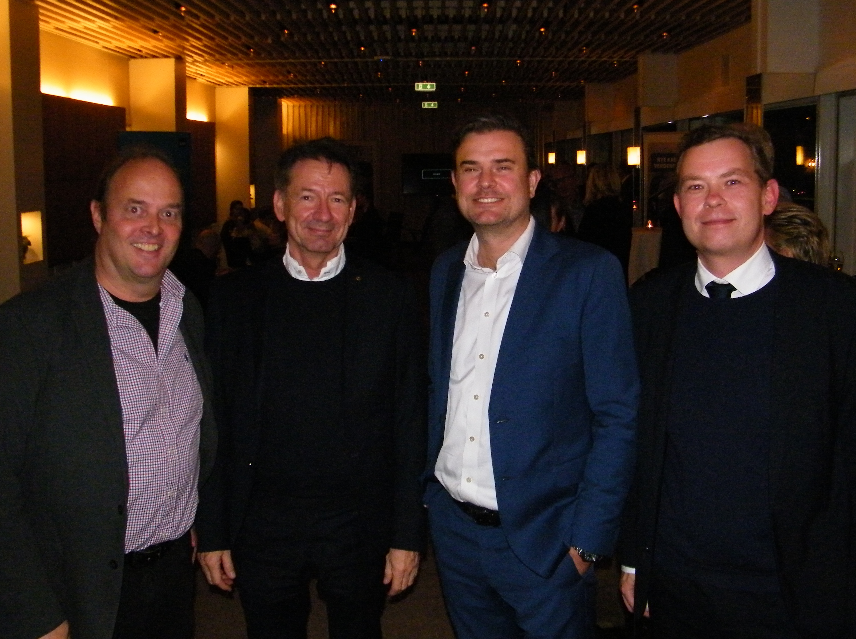 Fra SAS' Hong Kong-reception for rejsebranchen onsdag i København, fra venstre Peter Skieller, chef for forretningsudvikling i Mangaard Travel Group, Torben Nygaard, country manager for FCM Travel Solutions, SAS' salgschef i Danmark, Michael Hansen, og Thomas Friis Rasmussen, chef for client management hos BCD Travel i Danmark. Foto: Henrik Baumgarten.
