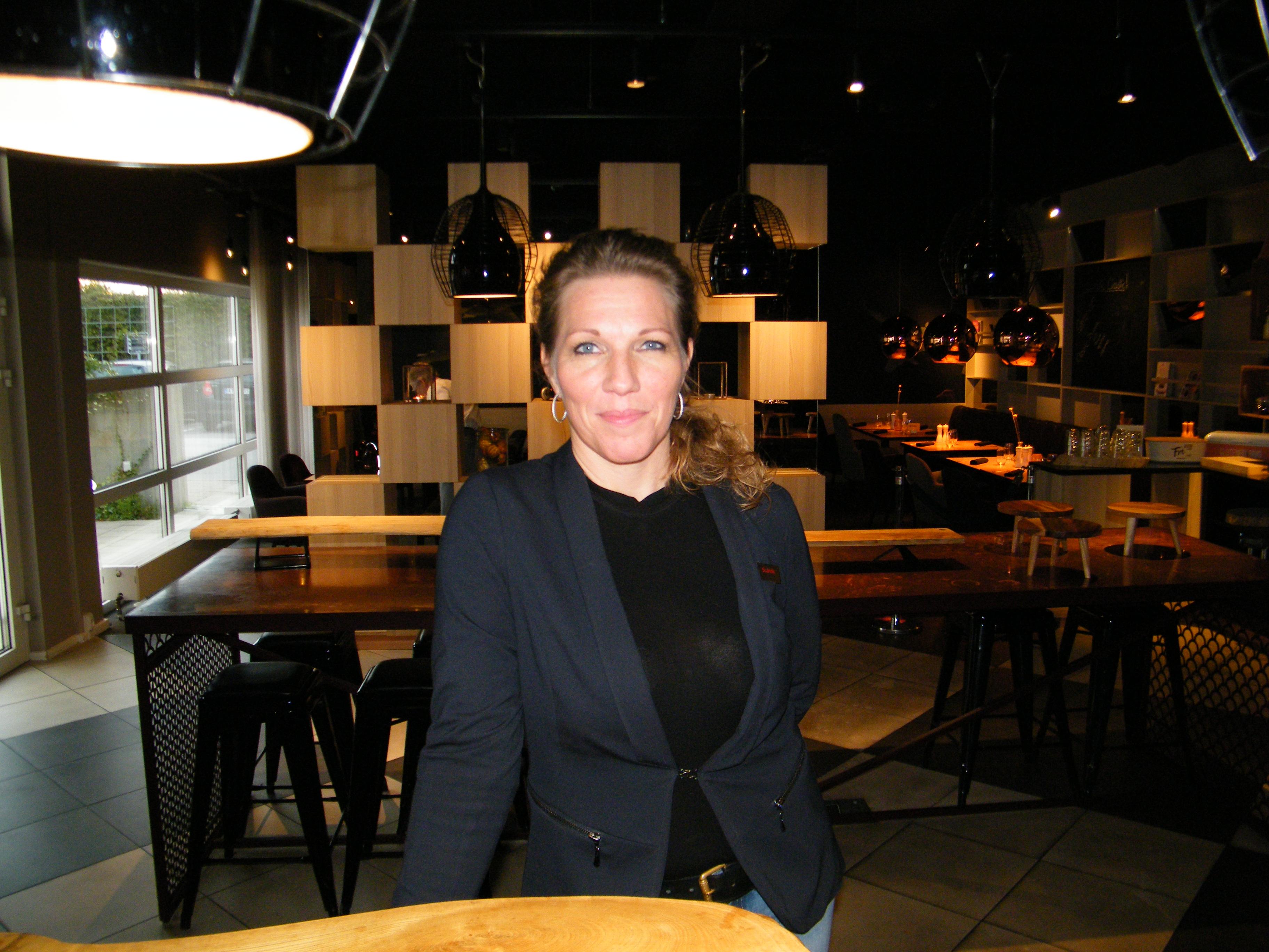 Anne Nielsen har udskiftet chefjobbet hos SAS i Københavns Lufthavn med titlen som general manager på Scandic-hotellet i Hvidovre. Foto: Henrik Baumgarten.