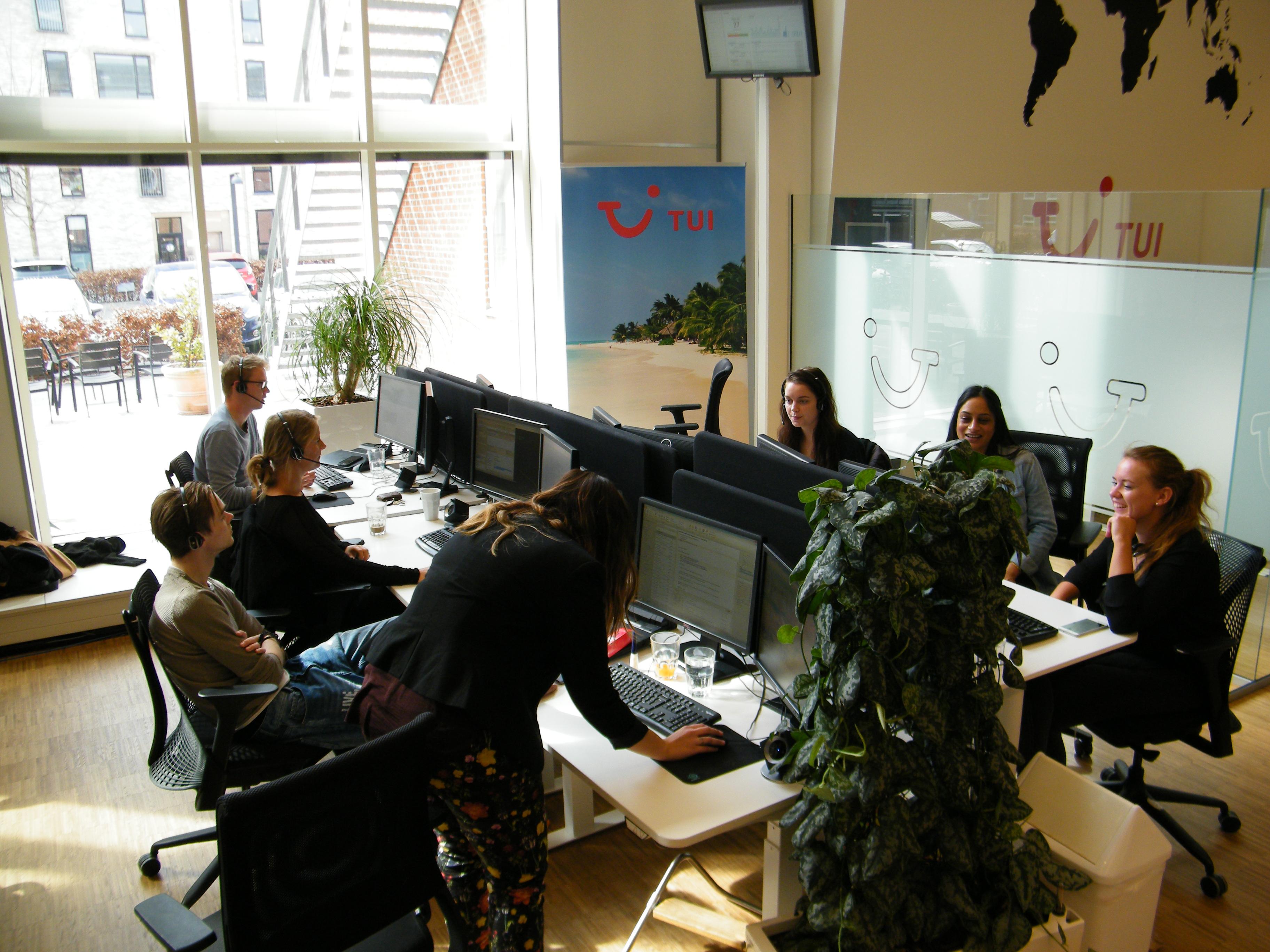 TUI Group er tilfreds med sit seneste årsregnskab. Her et kig ind i TUI's danske hovedkontor i Valby ved København. Foto: Henrik Baumgarten.