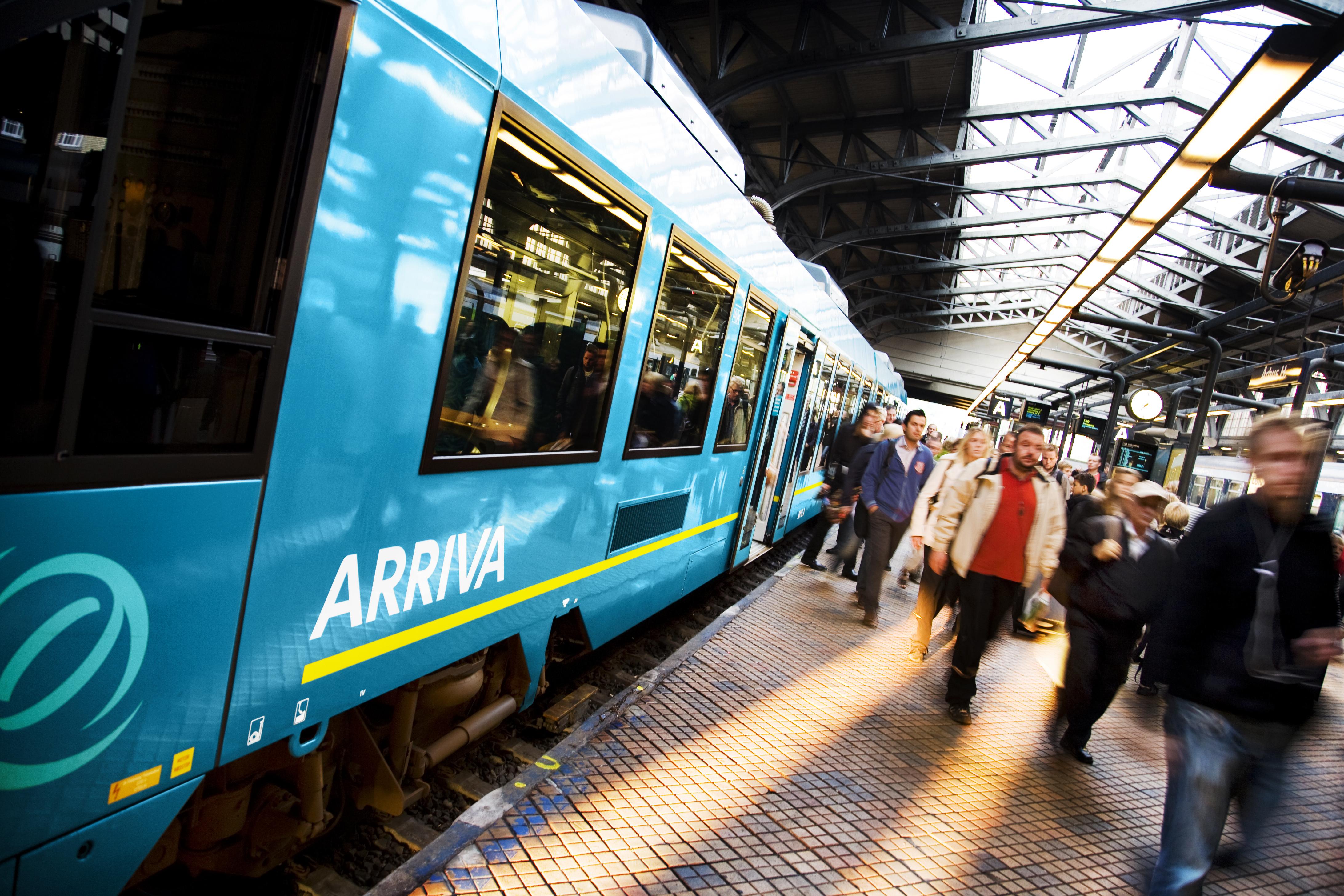 Når Arrivas nye kontrakt har driftsstart i december 2020 vil selskabet fortsat køre med sine blå Lint-tog. Herudover vil Arriva overtage 20 Desiro-tog fra Staten og DSB. Foto: Arriva.