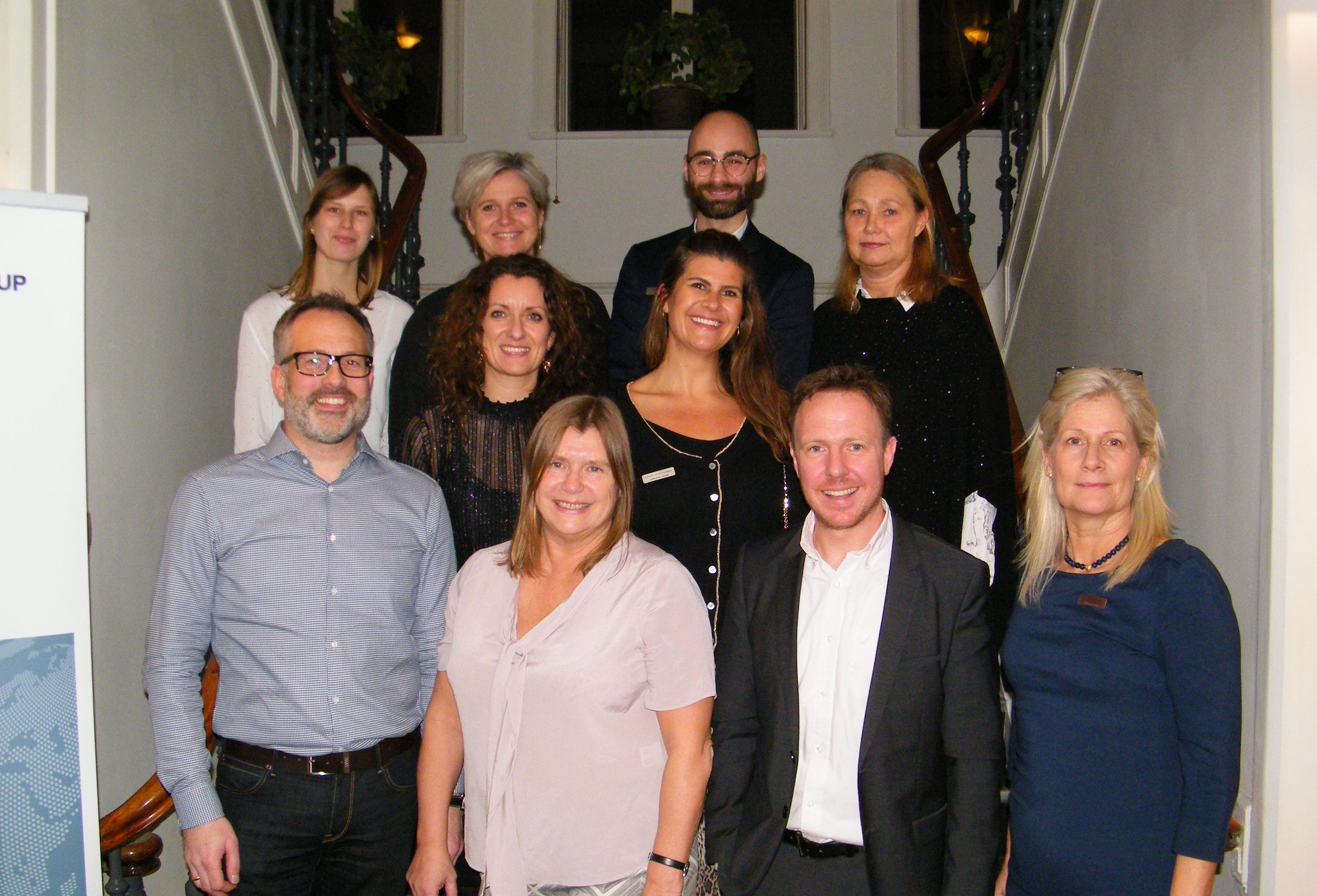 Hovedparten af navnlig salgspersonalet hos Lufthansa Gruppen i Danmark ved sammenkomsten tirsdag i København. Landechef Bastian Frantz er nummer to fra højre forrest. Foto: Henrik Baumgarten.