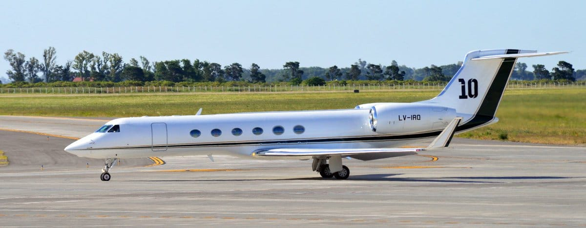 Lionel Messis Gulfstream V har hans rygnummer, 10, på haleroret. Foto: Picture © Twitter @1978_facundo